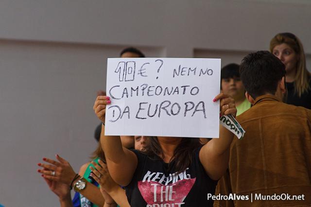 Foto do dia: Oliveirense - Valongo, a dez euros