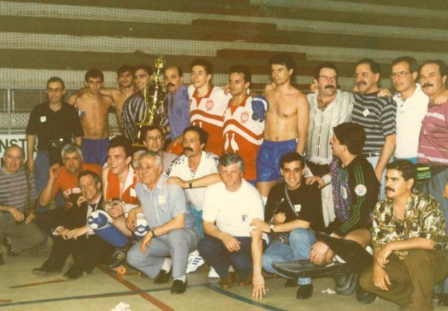 Jogo entre atletas de 1991 do Óquei e do Benfica