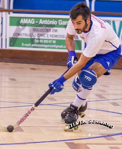 Tiago Roquete pendura os patins